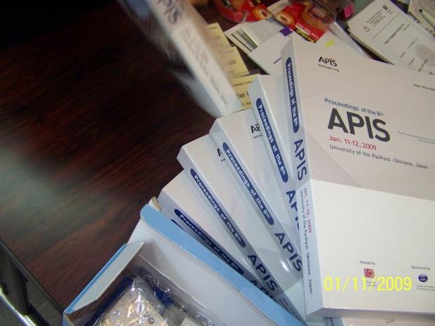 Tumpukan buku APIS