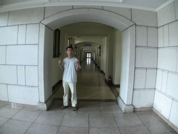 Creepy hall featuring Hasul.. :P